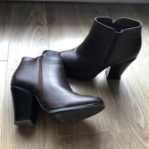 Shoes - ♻️New burgundy boots Size 6, Heel 2,5''